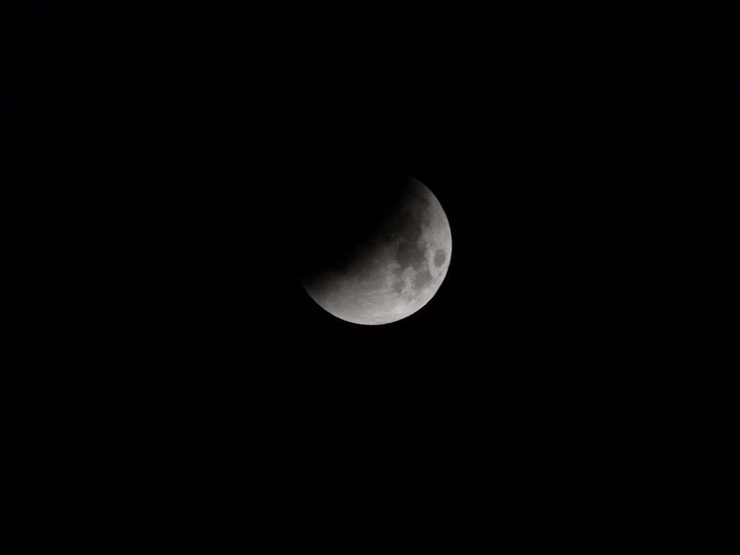 super-bloodmoon-lunar-eclipse (3)