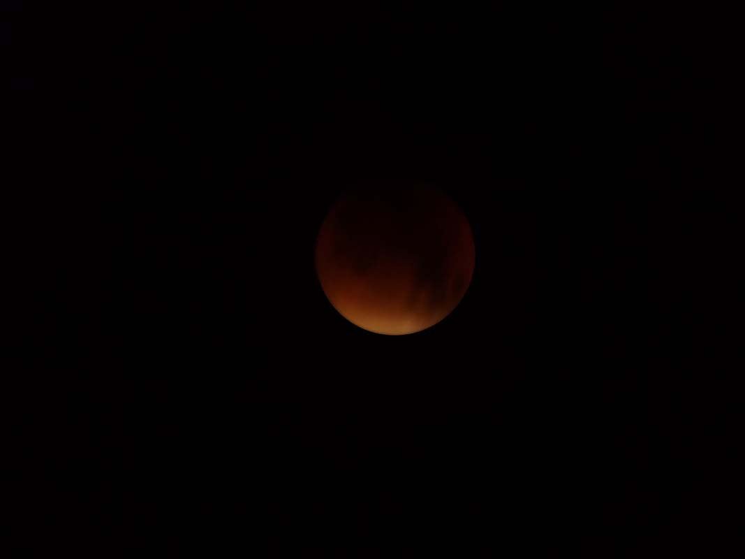 super-bloodmoon-lunar-eclipse (7)