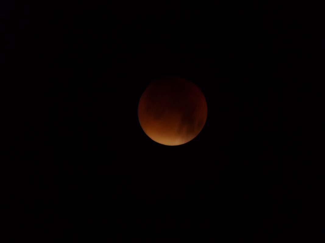super-bloodmoon-lunar-eclipse (8)